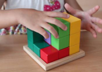 木製おもちゃが子どもに与える影響